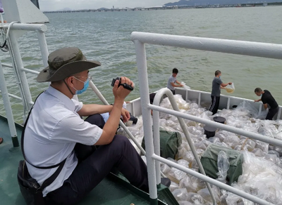 公证监督渔业增殖科学放流 共同见证生态深圳健康发展